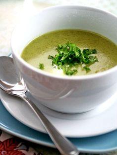 Sopa de brocoli: muchas vitaminas, pocas calorías.