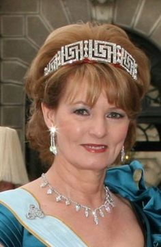 close up of Margareta at the wedding of Crown Princess Victoria of Sweden Royal Crowns, Royal Tiaras, Tiaras And Crowns, Princess Victoria Of Sweden, Crown Princess Victoria, Queen Victoria, Royal Hairstyles, Royal Jewelry, Jewellery