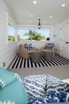 Love the mix of fun patterns! Would love to lounge around this outdoor porch!