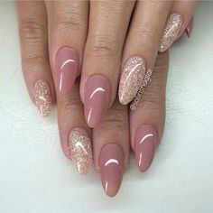 101 Classy Nail Art Designs for Short Nails - pennycakes - 101 Classy Nail Art Designs for Short Nails The cute simple design on one nail is super easy to do, and it just uses your natural nail color, so you don't need to worry about running the . Neutral Nails, Nude Nails, Pink Nails, My Nails, Acrylic Nails, Oval Nails, Shellac Nails, Coffin Nails, Stylish Nails