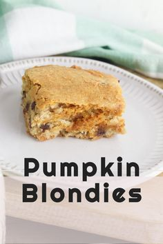 Pumpkin Blondies are soft, chewy, cake like bars that are sweet and bursting with Pumpkin flavor. #pumpkin #fall #blondies #dessert Recipe Using Pumpkin, Pumpkin Pie Recipes, Homemade Chocolate Chips, Mini Chocolate Chips, Best Dessert Recipes, Delicious Desserts, Trail Mix Cookies, Peach Upside Down Cake, Fall Desserts