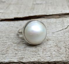Large Elegant White Cream Luminescent Mabe South Sea AAA Pearl