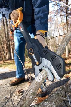 The WORX Chainsaw 6-Inch 5-Amp Electric JawSaw. Cutting tree branches is now…