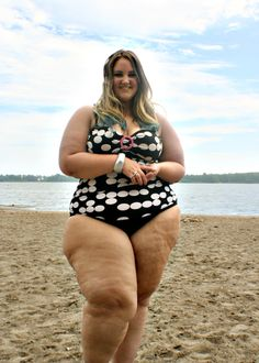 thefaerieprincess: Strutting my thunder thighs and luscious legs at the beach. Work your curves, never hide them. <3