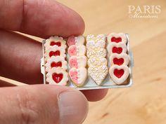 Jam Iced and Lace Cookies on Metal Baking Sheet por ParisMiniatures ♡ ♡.