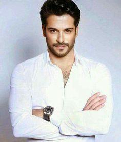 Burak ozcivit, ama cats, cria desenhos e pinturas Turkish Men, Turkish Actors, Handsome Actors, Hot Actors, Gorgeous Men, Beautiful People, Burak Ozcivit, Male Face, Male Beauty