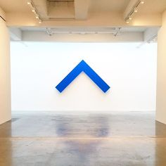 North Magnetic Pole - Blue Angle, Ellsworth Kelly-photo Dusen Dusen...
