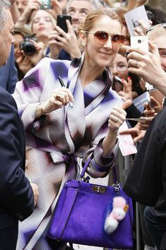 Lors de son récent passage à Paris, tout le monde a remarqué le changement de look de Céline Dion. A chaque…
