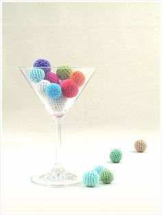 Amigurumi Crochet Balls - These mini crochet balls (a.k.a amigurumi balls), in all the colours of the rainbow, offer absolutely no practical application whatsoever, their only purpose in life being to sit and look pretty! ...OR cat toys!