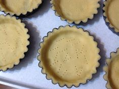 Tartaletky zapečené se žloutkovým krémem Pie Dish, Tart, Muffins, Cheesecake, Cupcakes, Dishes, Food, Lemon, Muffin