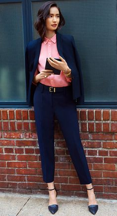 #AT3Ways Add an over-the-shoulder blazer for a sophisticated office look.