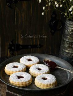 Tcharek msaker : Corne de Gazelle - La Casbah des Delices Four, Biscotti, Ramadan, Cereal, Breakfast, Desserts, Chocolate Pop Tarts, Pudding Recipe, Almonds