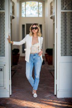 2016 Blazer – Helmut Lang, bustier – Zara, jeans – Sandro, bag – Saint Laurent,