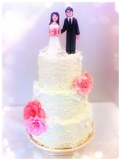 Cherie Kelly's Sweet Swirly Frosting Wedding Cake with Figures