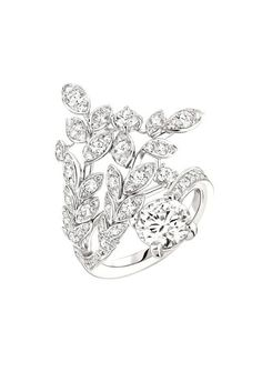 Premiers Brins Ring from LesBlesDeChanel - Chanel - FineJewelry collection in white gold set with a carat BrilliantCut - Diamond and 93 brilliant cut Diamonds ct) - July 2016 High Jewelry, Stone Jewelry, Diamond Jewelry, Jewelry Rings, Women Jewelry, Chanel Jewelry, Jewelery, Camelia Chanel, Fashion Rings