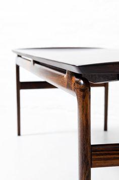 Peter Hvidt & Orla Molgaard Nielsen coffee table in solid palisander / rosewood at Studio Schalling