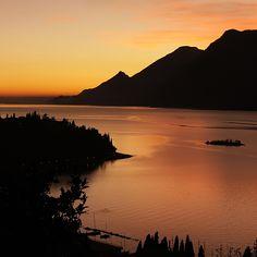 Sunset on Lake Garda, Italia #lagodigarda #lakegarda #gardasee #gardameer