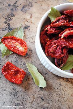 Domates kurusu (kurutulmuş domates)