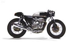 Honda CB550 Cafe Racer Moto Hanger