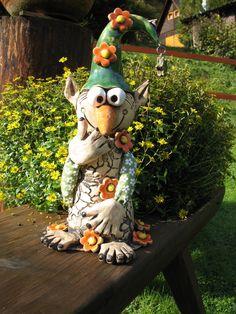 Keramik Ceramic Pottery, Pottery Art, Ceramic Art, Ceramics Projects, Clay Projects, Garden Totems, Garden Art, Clay Monsters, Pottery Animals