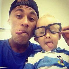 neymar jr and Davi Lucca OMG soooo Cute❤♡ Good Soccer Players, Soccer Fans, Neymar Jr, Fc Barcelona, Football Brazil, Daddy And Son, Dad Son, Husband, Best Player