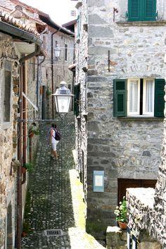 Streets of Castiglione del Terziere, Tuscany #italy