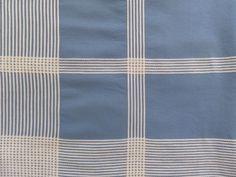 VINTAGE-1950s-BLUE-WHITE-PLAID-TABLECLOTH