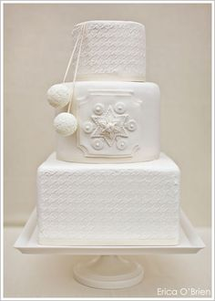 ♡ Winter #white #wedding #Cake... For wedding ideas, plus how to organise an entire wedding, within any budget ... https://itunes.apple.com/us/app/the-gold-wedding-planner/id498112599?ls=1=8 ♥ THE GOLD WEDDING PLANNER iPhone App ♥  For more wedding inspiration http://pinterest.com/groomsandbrides/boards/ photo pinned with love & light, to help you plan your wedding easily ♡