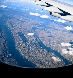 Manhattan while approaching JFK Airport