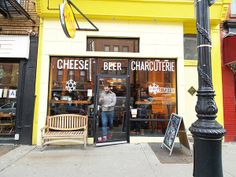 Food tour in New York: Cobble Hill and Carroll Gardens | http://www.yourlittleblackbook.me/brooklyn-food-tour/