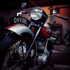 Motor tiger Super 4, Triumph Tiger, Easy Rider, Tiger Cubs, Classic Bikes, Triumph Motorcycles, Vintage Bikes, Scrambler, Bob