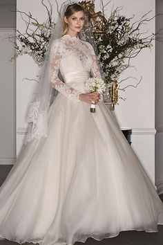 Grace Kelly-Inspired Gowns from Legends Romona Keveza Fall 2017 Wedding Dress Trends, Modest Wedding Dresses, Wedding Dress Styles, Wedding Attire, Bridal Dresses, Romona Keveza Wedding Dresses, Wedding Gowns, 2017 Wedding, 2017 Bridal