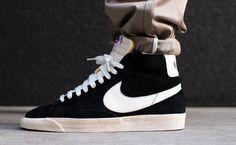 Nike Blazer high vintage nd suede (schwarz weiss) Sneaker Outfits, Converse Sneaker, Puma Sneaker, Sneaker Boots, Sneakers Mode, Sneakers Fashion, Fashion Shoes, Mens Fashion, Fashion Outfits