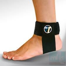 Achilles Tendon Support by Pro-Tec eases chronic Achilles tendon pain. Worn over socks. May be worn with or without shoes. Achilles Tendonitis Treatment, Tendonitis Causes, Achilles Tendon Support, Plantar Fasciitis Treatment, Plantar Fasciitis Shoes, Foot Remedies, Support Socks, Ankle Pain, Pain Relief