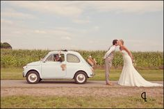 Vintage wedding asks for a vintage car - how Sweet! Pre Wedding Photoshoot, Wedding Poses, Wedding Shoot, Chic Wedding, Wedding Trends, Wedding Car, Wedding Bells, Wedding Bride, Dream Wedding