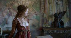Medici: Masters of Florence Sarah Felberbaum as Maddalena Renaissance Dresses, Renaissance Fashion, Italian Renaissance, Royal Clan, 15th Century Fashion, Medici Masters Of Florence, Tudor Fashion, Fantasy Dress, Period Dramas