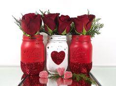 Red Mason Jars, Glitter Mason Jars, Painted Mason Jars, Mason Jar Diy, Mason Jar Crafts, Glitter Vases, Bottle Crafts, Valentines Day Weddings, Valentines Day Decorations