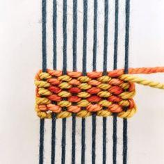 DIY Weaving Tutorial: Three Color Pick n Pick – braided rugs diy Weaving Loom Diy, Weaving Art, Weaving Patterns, Tapestry Weaving, Weaving Wall Hanging, Tablet Weaving, Weaving Textiles, Macrame Patterns, Weaving Projects