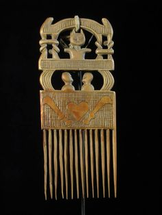 Africa | A haircomb from the Asante people of Ghana | ca. 1980 African Masks, African Hair, Ghana, Afro Comb, Afro Pick, Sculpture Art, Sculptures, Rose Croix, Illuminati