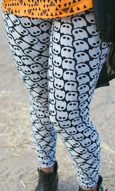🆕new tc lularoe legging halloween🆕 | Curvy and House