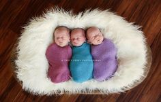 Just had to share this awesome newborn triplet image shared over at the LSI forum from Tracy Perry Photography!