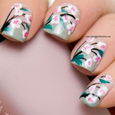 Nail Art - Flowers - http://www.mynailpolishonline.com/2016/01/nail-art-2/nail-art-flowers-7/