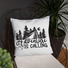 Basic Pillow camper accessory Bed Pillows mountains hike, decoration idea cojin sofa covers couch Sofa Covers, Camper, Bed Pillows, Cozy, Mountains, Decoration, Pillows, Caravan, Decorating