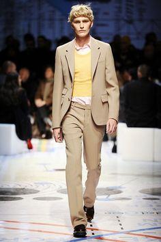Prada Fall 2010 Menswear Collection Photos - Vogue
