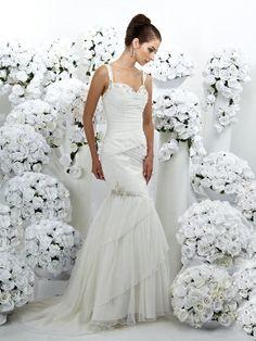 A Mermaid in Natural Waistline Wedding Dress
