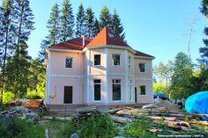 Красивый особняк из керамзитобетонных блоков в Московской области.Об этом подробнее тут: http://skb21.ru/objects/dom-i-banya-v-moskovskoy-oblasti/