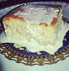 Three-Milk Cake/Torta tres leches...with sour Cream, which gives the Cake an unique taste. From the Book *Warm Bread and honey cake*