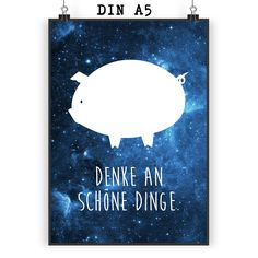 Poster DIN A5 Schwein Classic aus Papier 160 Gramm  weiß - Das Original von Mr. & Mrs. Panda.  Jedes wunderschöne Motiv auf unseren Postern aus dem Hause Mr. & Mrs. Panda wird mit viel Liebe von Mrs. Panda handgezeichnet und entworfen.  Unsere Poster werden mit sehr hochwertigen Tinten gedruckt und sind 40 Jahre UV-Lichtbeständig und auch für Kinderzimmer absolut unbedenklich. Dein Poster wird sicher verpackt per Post geliefert.    Über unser Motiv Schwein Classic  Schweine sind als…