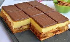 Prăjitură fără coacere cu mere, biscuiți și budincă de vanilie   Savori Urbane Icebox Cake, Cake Bars, Easy Cake Recipes, Dessert Recipes, Dessert Shots, Good Food, Yummy Food, Sweet Cakes, No Bake Desserts