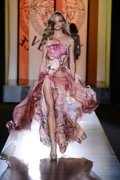 Atelier Versace's Haute #Couture Shines in Fall/Winter 2012-2013 Collection